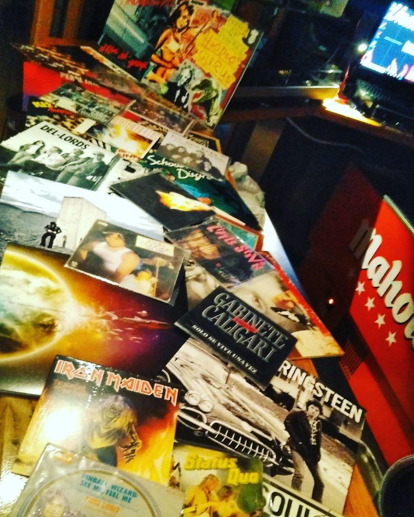 Sesiones musicales cósmicas en Underground